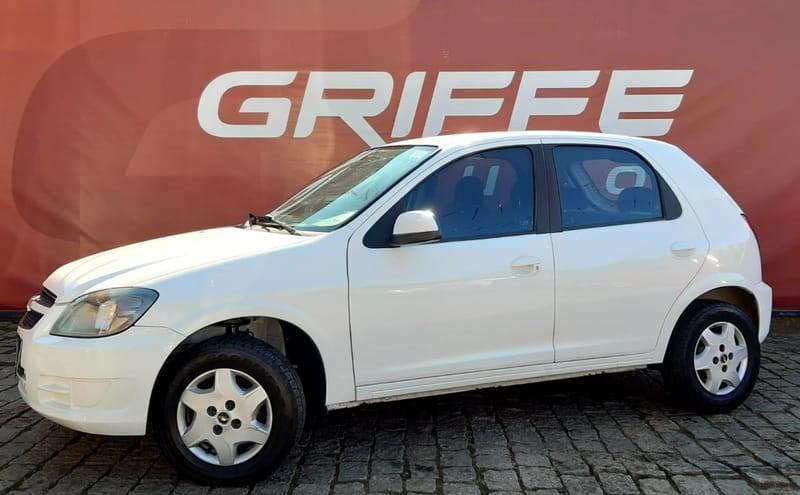 //www.autoline.com.br/carro/chevrolet/celta-10-lt-8v-flex-4p-manual/2014/curitiba-pr/12594415