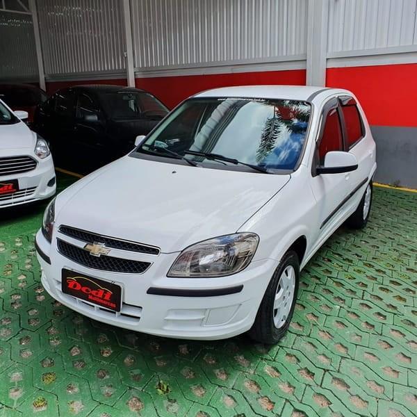 //www.autoline.com.br/carro/chevrolet/celta-10-lt-8v-flex-4p-manual/2015/curitiba-pr/12728559