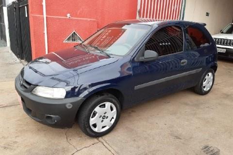 //www.autoline.com.br/carro/chevrolet/celta-10-8v-gasolina-2p-manual/2004/uberlandia-mg/12771981