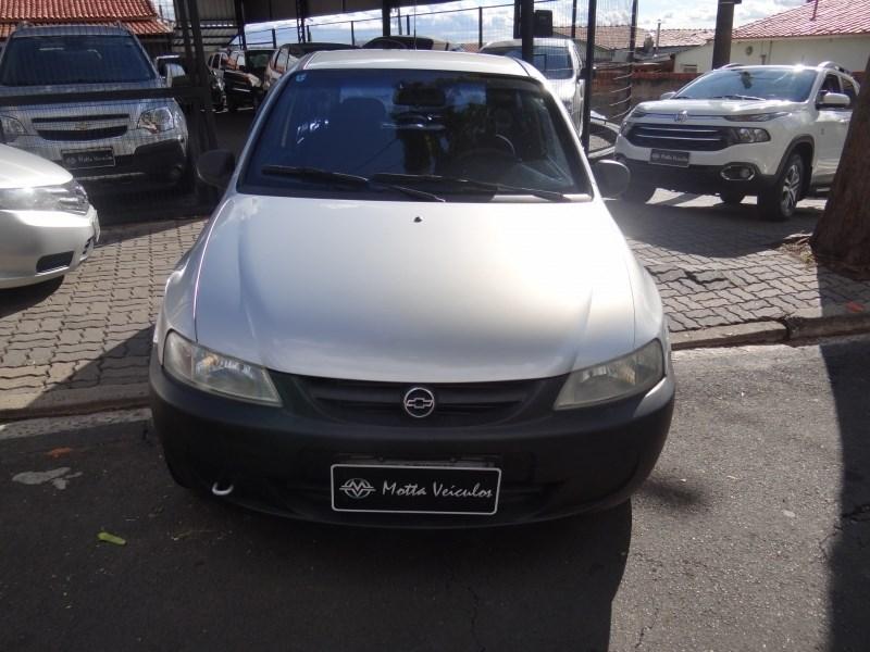 //www.autoline.com.br/carro/chevrolet/celta-10-8v-gasolina-2p-manual/2003/campinas-sp/13037650
