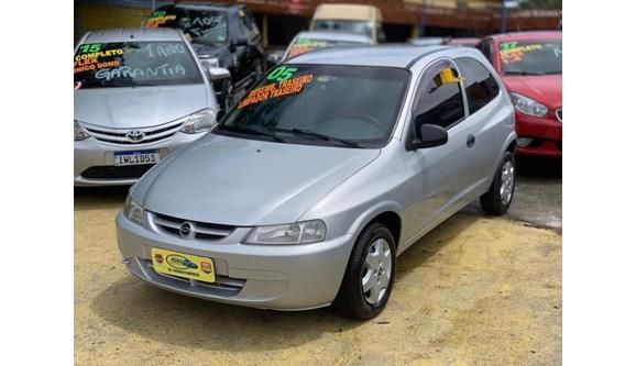 //www.autoline.com.br/carro/chevrolet/celta-10-spirit-8v-gasolina-2p-manual/2005/alvorada-rs/13081329