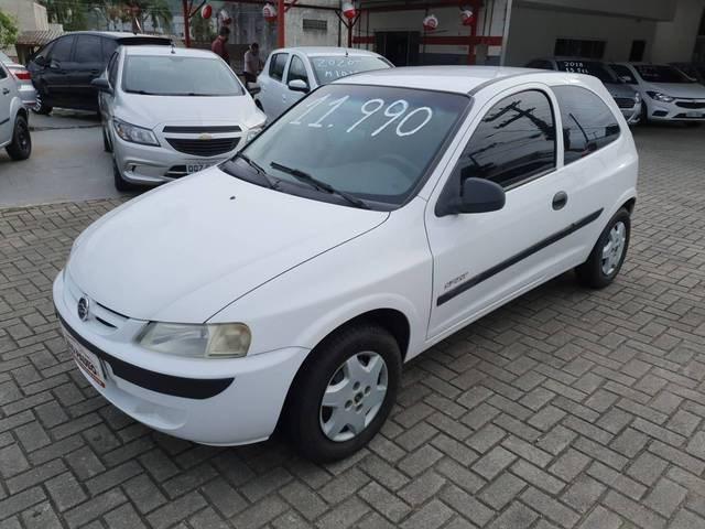 //www.autoline.com.br/carro/chevrolet/celta-10-spirit-8v-gasolina-2p-manual/2005/jaragua-do-sul-sc/13171246