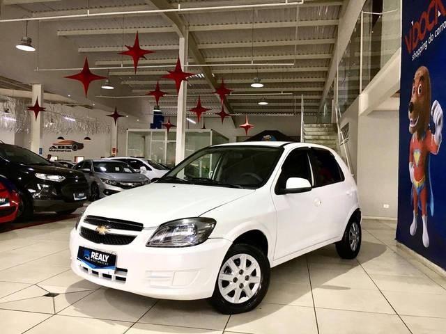 //www.autoline.com.br/carro/chevrolet/celta-10-lt-8v-flex-4p-manual/2015/sao-jose-dos-campos-sp/13548448