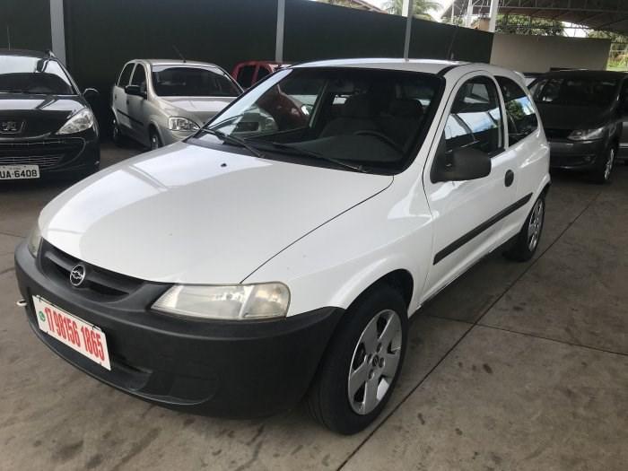 //www.autoline.com.br/carro/chevrolet/celta-10-l-8v-gasolina-2p-manual/2001/sao-jose-do-rio-preto-sp/13631666