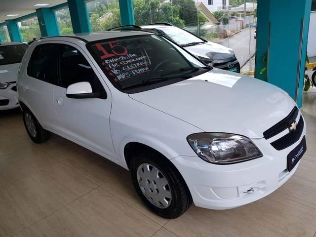 //www.autoline.com.br/carro/chevrolet/celta-10-lt-8v-flex-4p-manual/2015/joacaba-sc/13821370