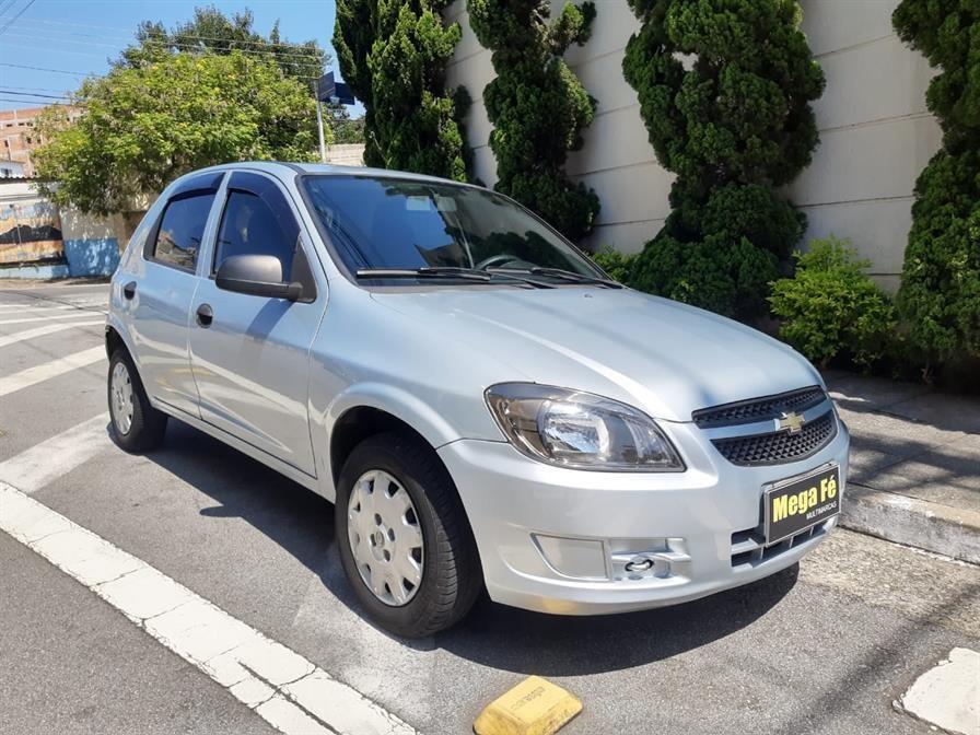//www.autoline.com.br/carro/chevrolet/celta-10-ls-8v-flex-4p-manual/2012/sao-paulo-sp/13954302