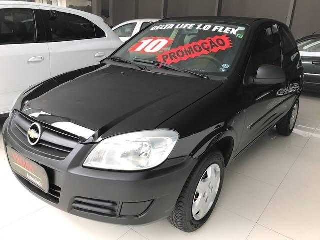 //www.autoline.com.br/carro/chevrolet/celta-10-life-8v-flex-2p-manual/2010/sao-paulo-sp/13959409