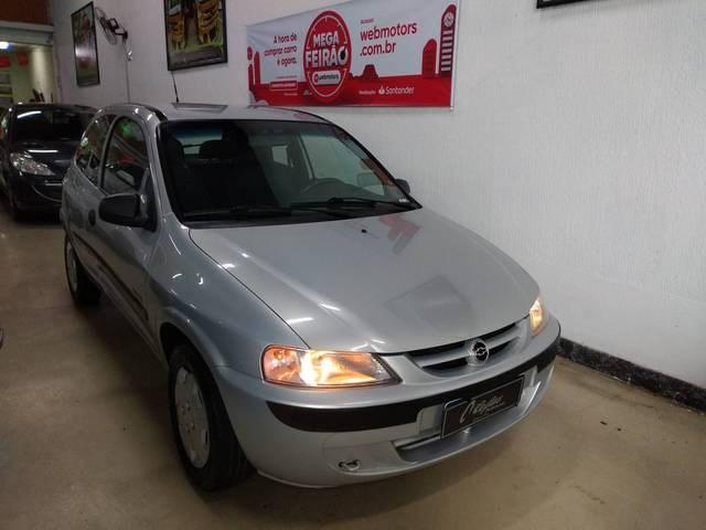 //www.autoline.com.br/carro/chevrolet/celta-14-super-8v-gasolina-2p-manual/2005/mogi-das-cruzes-sp/13962004