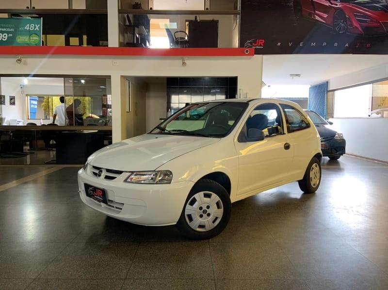 //www.autoline.com.br/carro/chevrolet/celta-10-8v-gasolina-2p-manual/2003/brasilia-df/14087989