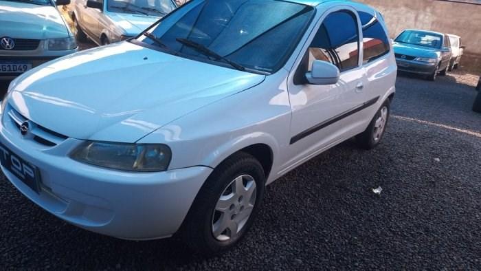 //www.autoline.com.br/carro/chevrolet/celta-10-l-8v-gasolina-2p-manual/2001/sao-jose-do-rio-preto-sp/14377188