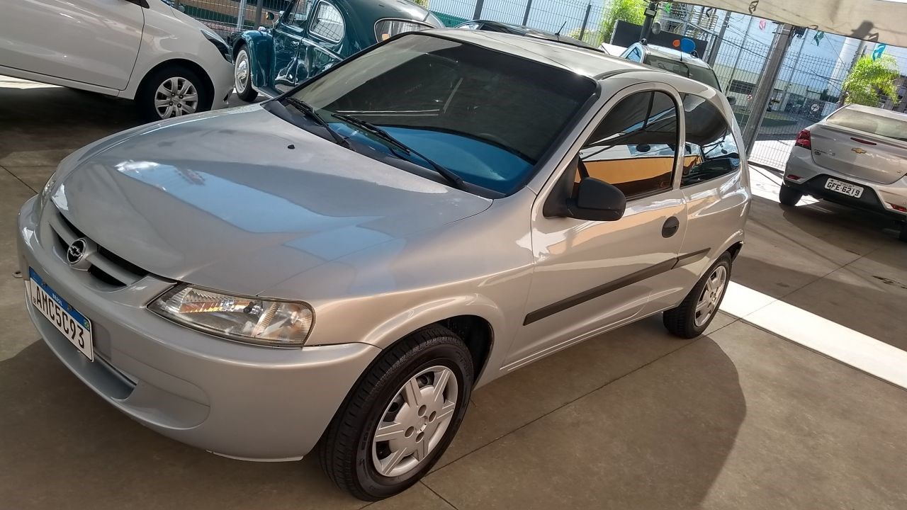 //www.autoline.com.br/carro/chevrolet/celta-10-spirit-8v-gasolina-2p-manual/2005/rio-claro-sp/14514342