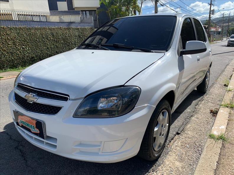 //www.autoline.com.br/carro/chevrolet/celta-10-lt-8v-flex-4p-manual/2015/vinhedo-sp/14618282