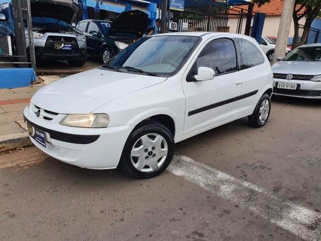 //www.autoline.com.br/carro/chevrolet/celta-10-l-8v-gasolina-2p-manual/2001/sao-jose-do-rio-preto-sp/14898433