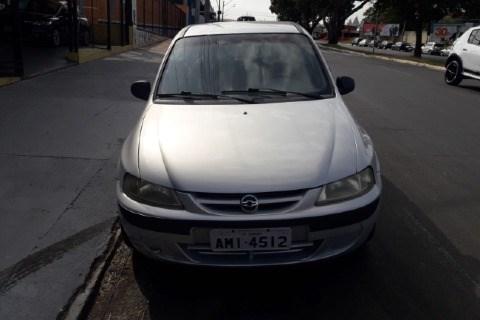 //www.autoline.com.br/carro/chevrolet/celta-10-spirit-8v-gasolina-2p-manual/2005/sumare-sp/14906686