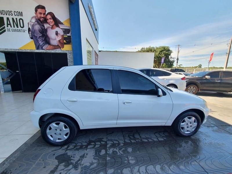 //www.autoline.com.br/carro/chevrolet/celta-10-lt-8v-flex-4p-manual/2013/palmas-to/14918745