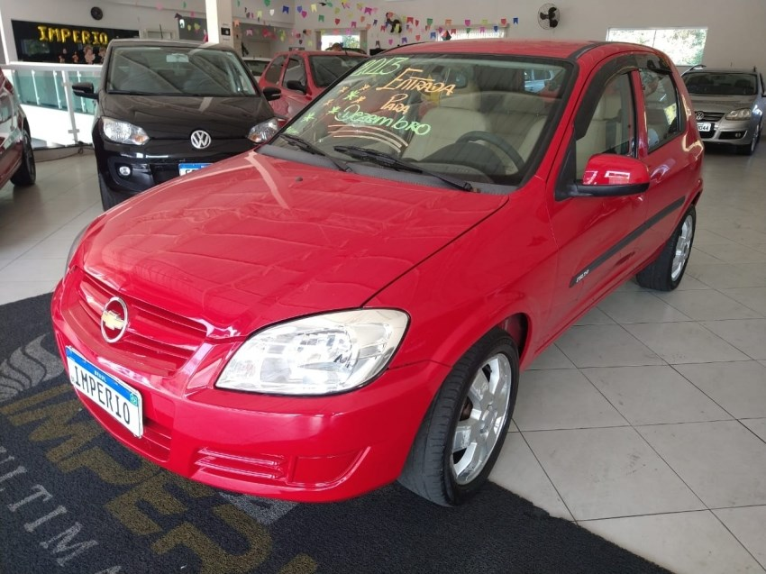 //www.autoline.com.br/carro/chevrolet/celta-10-lt-8v-flex-4p-manual/2013/francisco-morato-sp/15085151