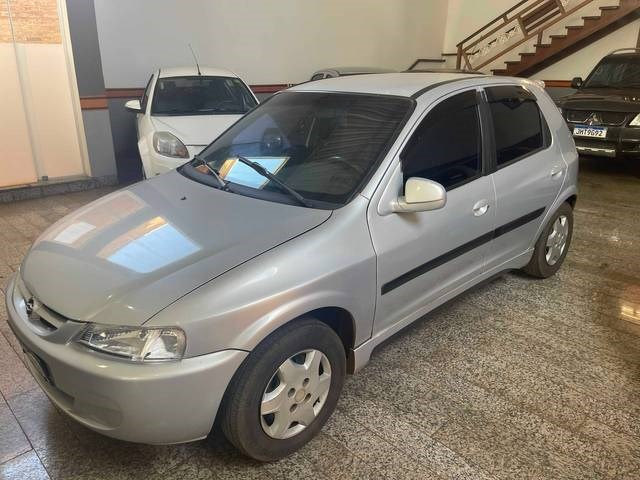 //www.autoline.com.br/carro/chevrolet/celta-10-l-8v-gasolina-4p-manual/2003/ituverava-sp/15204509