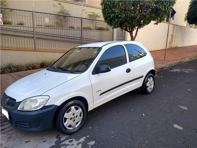 //www.autoline.com.br/carro/chevrolet/celta-10-life-8v-flex-2p-manual/2009/ribeirao-preto-sp/15211451