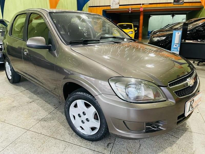 //www.autoline.com.br/carro/chevrolet/celta-10-lt-8v-flex-4p-manual/2014/campinas-sp/15262193