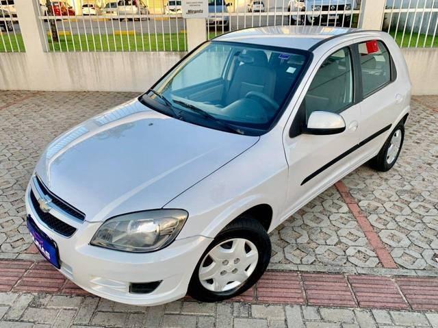 //www.autoline.com.br/carro/chevrolet/celta-10-lt-8v-flex-4p-manual/2014/natal-rn/15350268