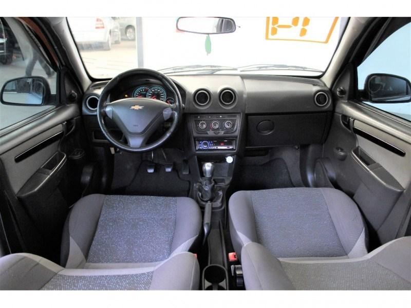//www.autoline.com.br/carro/chevrolet/celta-10-lt-8v-flex-4p-manual/2014/campinas-sp/15569150