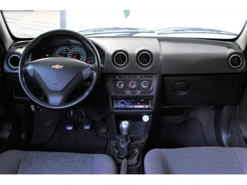 //www.autoline.com.br/carro/chevrolet/celta-10-lt-8v-flex-4p-manual/2014/campinas-sp/15569179