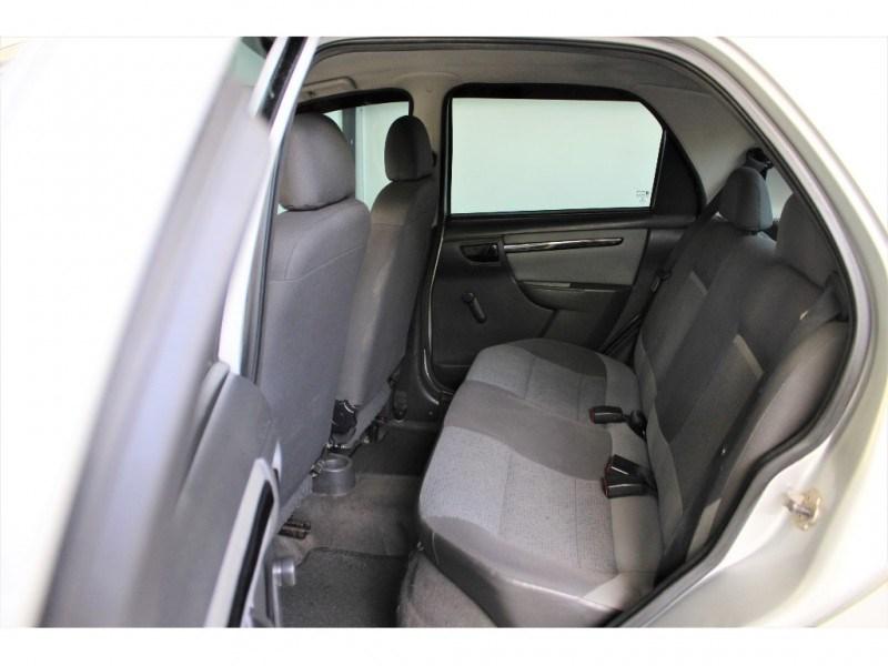 //www.autoline.com.br/carro/chevrolet/celta-10-lt-8v-flex-4p-manual/2014/campinas-sp/15569231