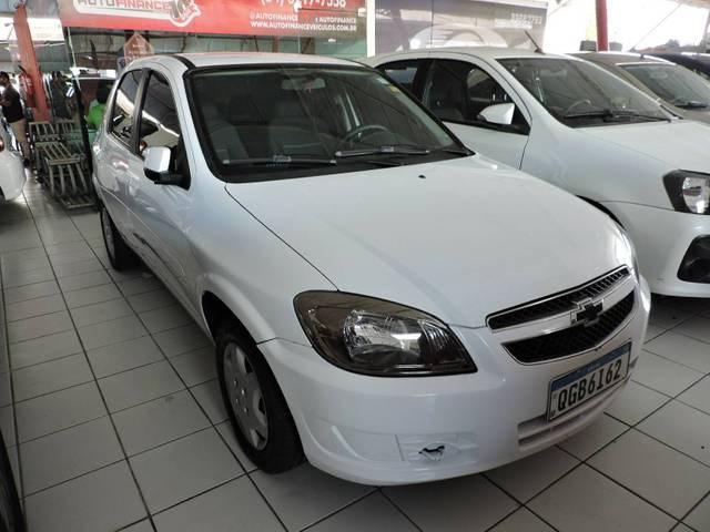//www.autoline.com.br/carro/chevrolet/celta-10-lt-8v-flex-4p-manual/2015/natal-rn/15605125
