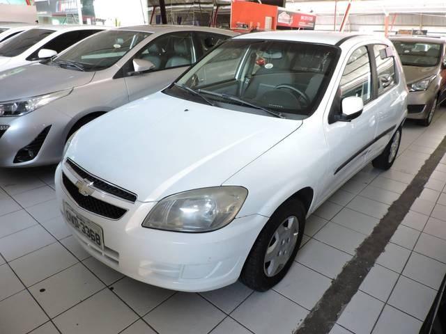 //www.autoline.com.br/carro/chevrolet/celta-10-lt-8v-flex-4p-manual/2014/natal-rn/15605657