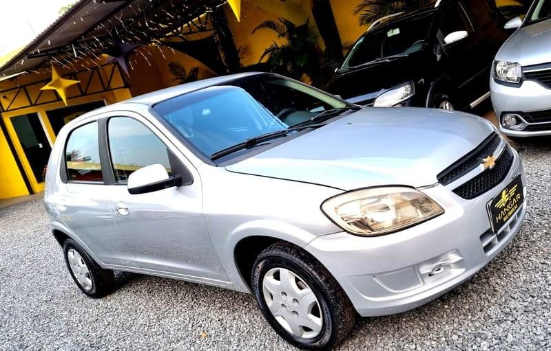 //www.autoline.com.br/carro/chevrolet/celta-10-lt-8v-flex-4p-manual/2015/varzea-grande-mt/15645046