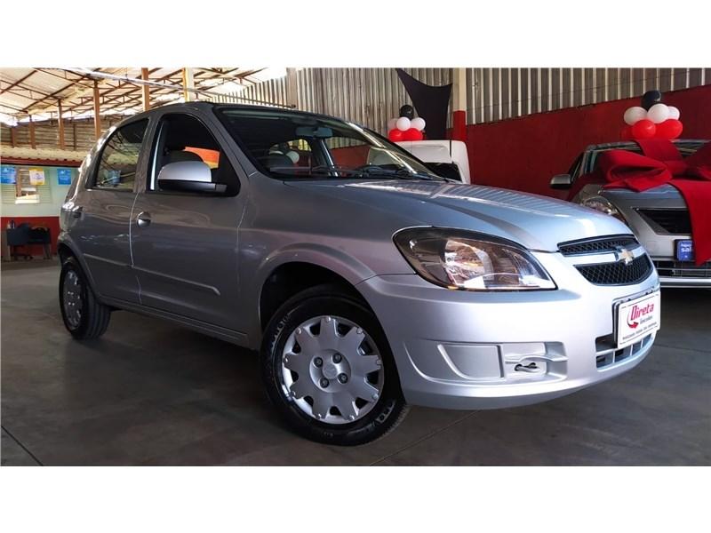 //www.autoline.com.br/carro/chevrolet/celta-10-lt-8v-flex-4p-manual/2013/belo-horizonte-mg/15717945
