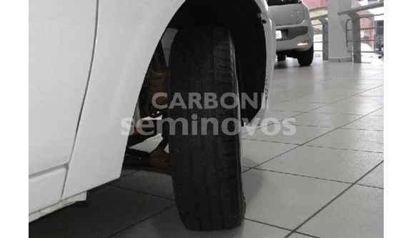 //www.autoline.com.br/carro/chevrolet/celta-10-lt-8v-flex-4p-manual/2014/joacaba-sc/5753734