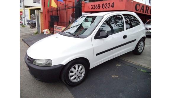 //www.autoline.com.br/carro/chevrolet/celta-10-8v-gasolina-2p-manual/2004/curitiba-pr/6690590