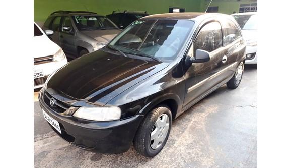 //www.autoline.com.br/carro/chevrolet/celta-10-8v-gasolina-2p-manual/2004/aracatuba-sp/6567720