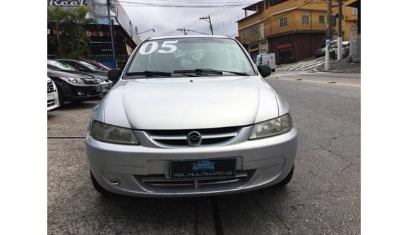 //www.autoline.com.br/carro/chevrolet/celta-10-super-8v-gasolina-2p-manual/2005/sao-paulo-sp/7712354