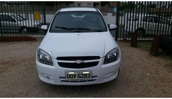 //www.autoline.com.br/carro/chevrolet/celta-10-ls-8v-flex-2p-manual/2013/araucaria-pr/7749850