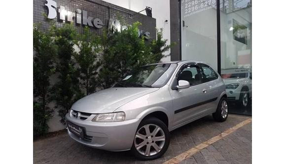 //www.autoline.com.br/carro/chevrolet/celta-10-8v-gasolina-2p-manual/2003/sao-paulo-sp/7784618