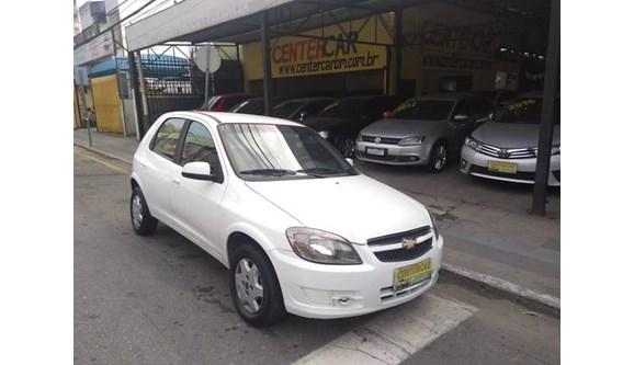 //www.autoline.com.br/carro/chevrolet/celta-10-lt-8v-flex-4p-manual/2015/barra-mansa-rj/8528806