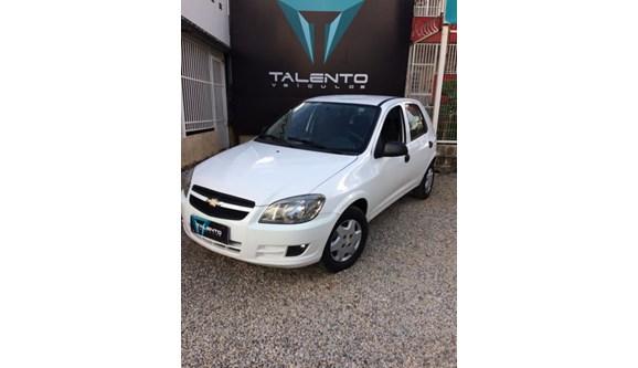 //www.autoline.com.br/carro/chevrolet/celta-10-lt-8v-flex-4p-manual/2013/brasilia-df/8635098