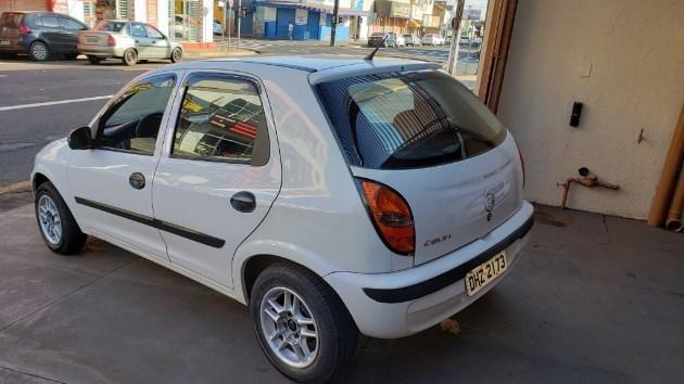 //www.autoline.com.br/carro/chevrolet/celta-10-8v-gasolina-4p-manual/2004/ourinhos-sp/9873442