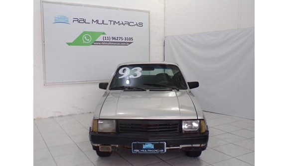 //www.autoline.com.br/carro/chevrolet/chevette-sedan-16-dl-75cv-2p-alcool-manual/1993/sao-paulo-sp/9436850