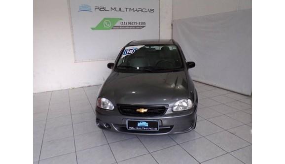 //www.autoline.com.br/carro/chevrolet/classic-10-8v-flex-4p-manual/2010/sao-paulo-sp/10101426