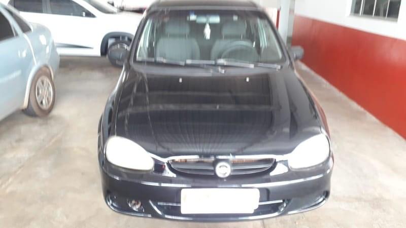 //www.autoline.com.br/carro/chevrolet/classic-10-life-8v-flex-4p-manual/2008/agua-boa-mt/10948652