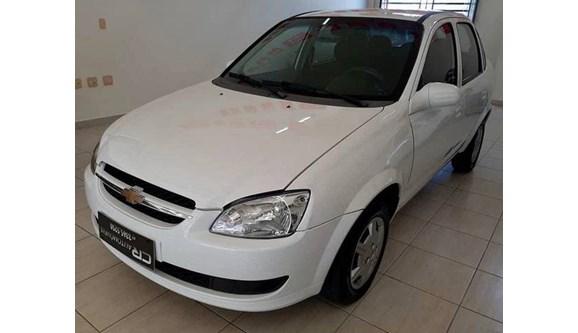//www.autoline.com.br/carro/chevrolet/classic-10-ls-8v-flex-4p-manual/2016/camboriu-sc/11759755