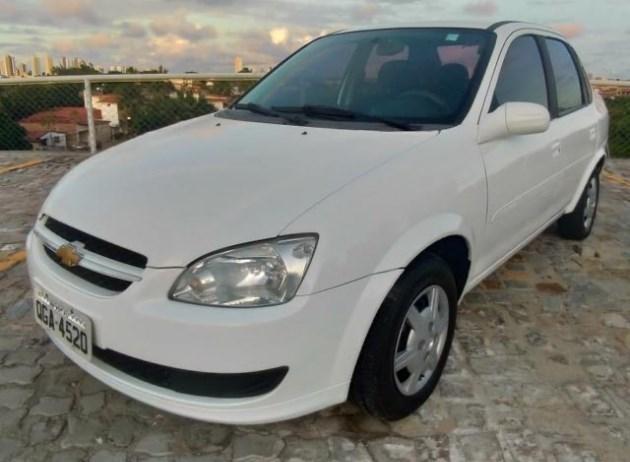 //www.autoline.com.br/carro/chevrolet/classic-10-ls-8v-flex-4p-manual/2015/natal-rn/11822478