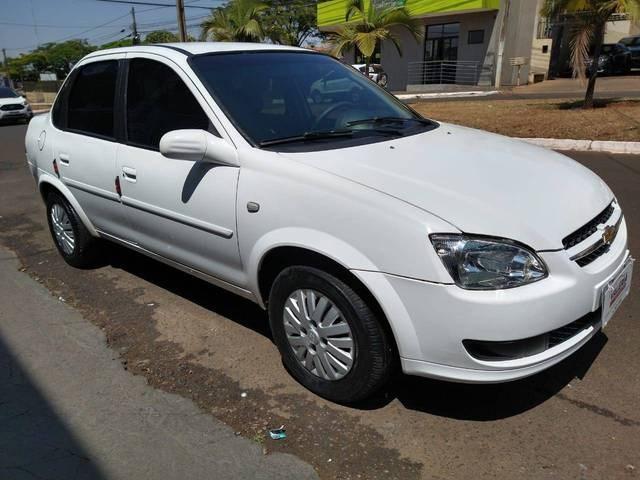 //www.autoline.com.br/carro/chevrolet/classic-10-ls-8v-flex-4p-manual/2012/rio-verde-go/12474469