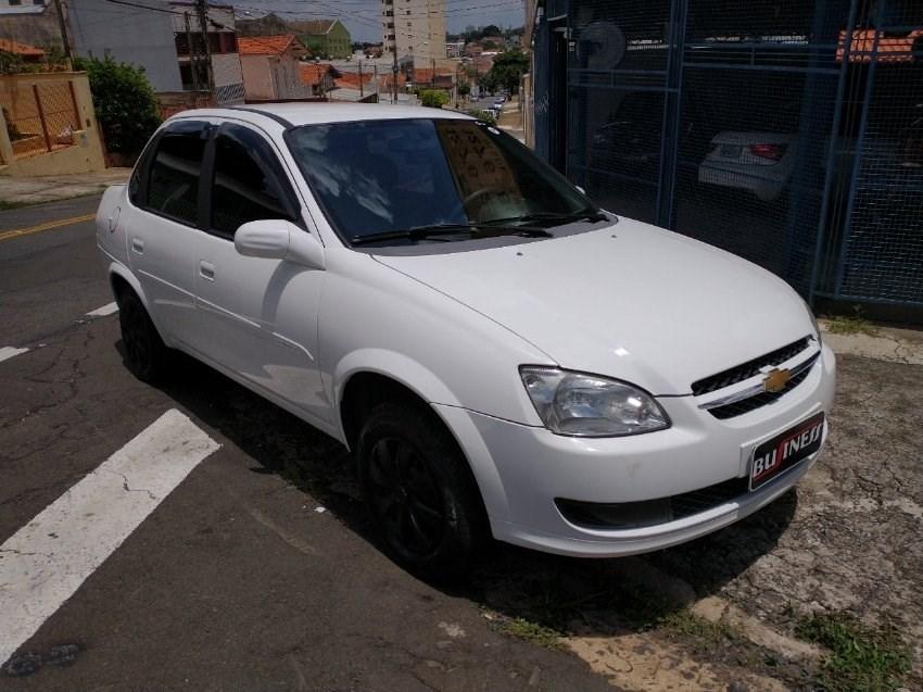 //www.autoline.com.br/carro/chevrolet/classic-10-ls-8v-flex-4p-manual/2015/campinas-sp/13550812
