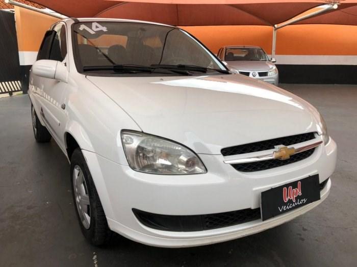//www.autoline.com.br/carro/chevrolet/classic-10-ls-8v-flex-4p-manual/2014/sorocaba-sp/13653447