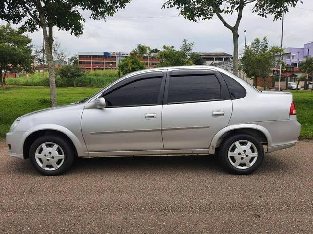 //www.autoline.com.br/carro/chevrolet/classic-10-ls-8v-flex-4p-manual/2015/rio-branco-ac/13966677