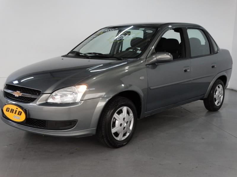 //www.autoline.com.br/carro/chevrolet/classic-10-ls-8v-flex-4p-manual/2013/belo-horizonte-mg/13976002